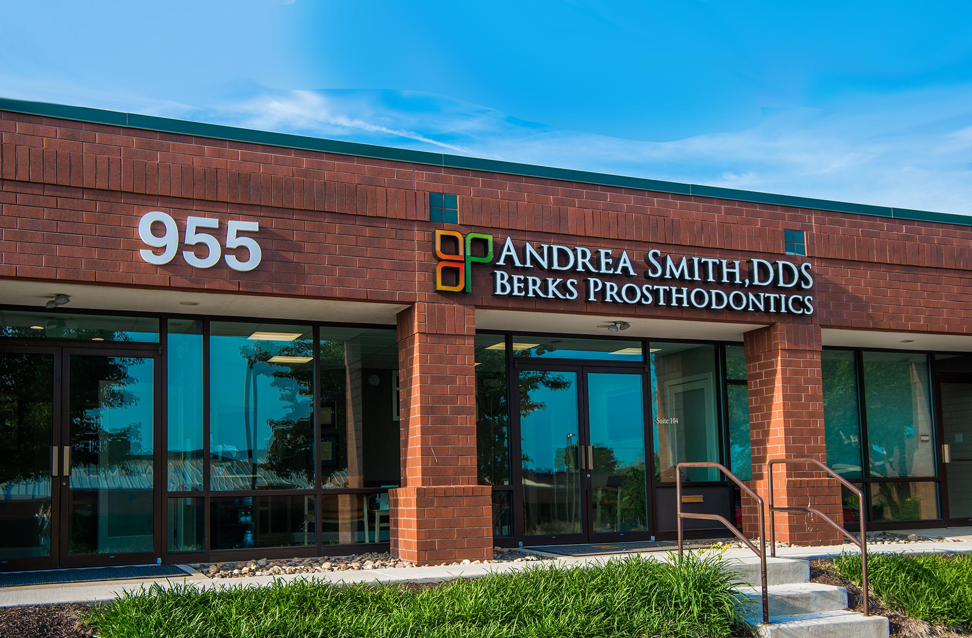 Dr. Andrea Smith , DDS. - Prosthodontist - Office